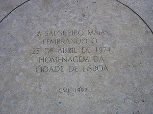 Placa de homenagem a Salgueiro Maia, no local onde se dirigiu aos sitiados no Quartel do Carmo - Largo do Carmo, Lisboa